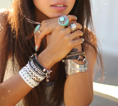 fashionable-bracelets-for-women 27+ Trendy Designs Of Bracelets For Women And Girls 2020
