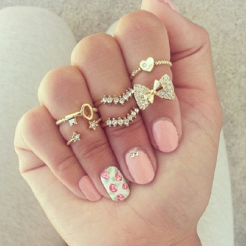 fashionable-rings-for-teenage-girls 15 Trendy Designs Of Rings For Women And Teenage Girls