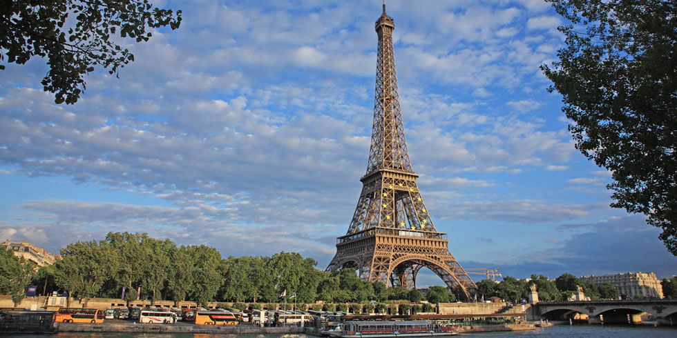 gallery-1444330211-eiffel-tower-index 5 Places You Must Visit If You Will Travel To Paris
