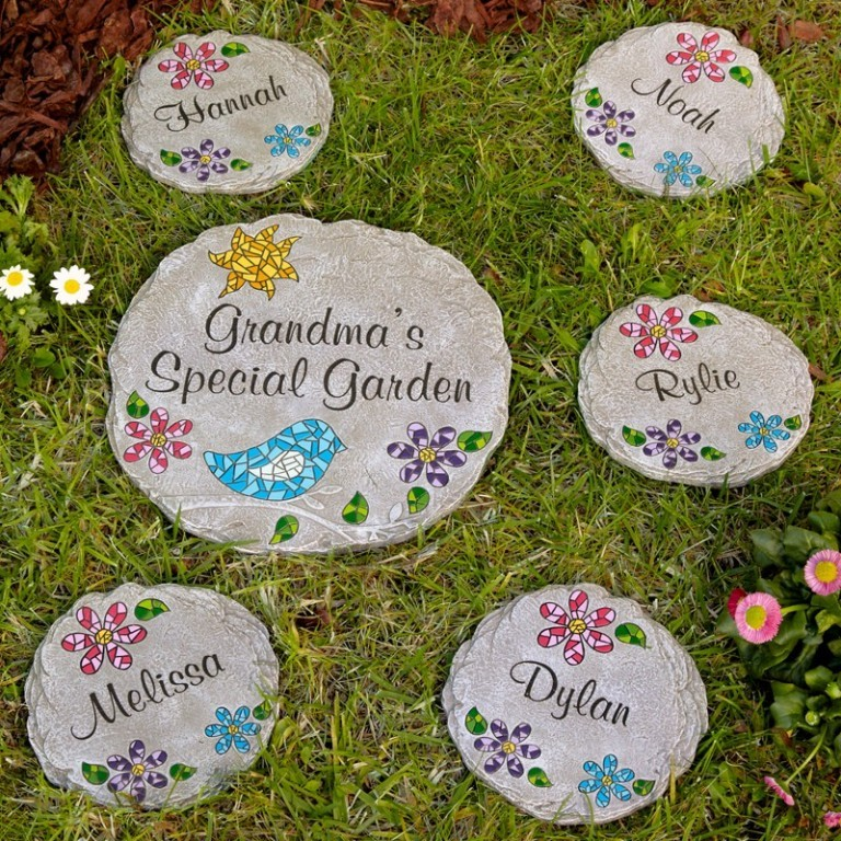 garden-stepping-stones 27 Most Stunning Mother's Day Gift Ideas