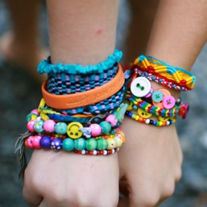 girls-friendship-bracelets1 Best 27+ Trendy Designs Of Bracelets For Women And Girls 2019