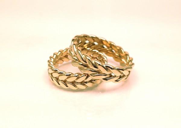 goldBands1 Top 22+ Unique And Elegant Designs Of Wedding Rings