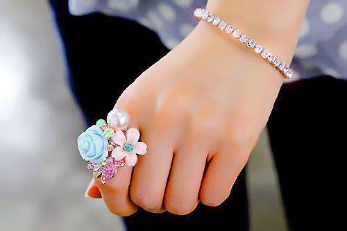 jewelry-trends-2012-latest-fashion-jewelry-for-girls-gb Best 27+ Trendy Designs Of Bracelets For Women And Girls 2019