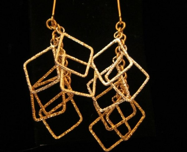 2016 fashionable designs of earrings for women and teenage