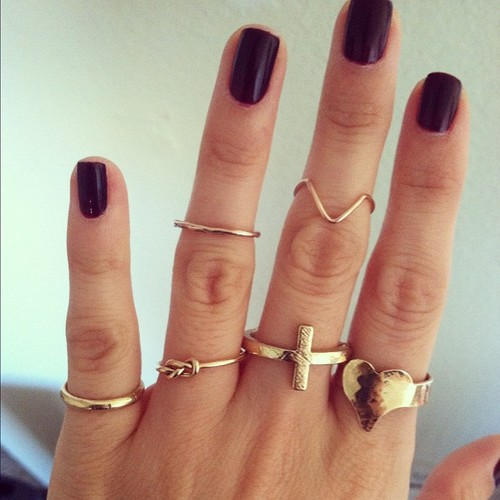 pretty-ring-for-teen-girl 15 Trendy Designs Of Rings For Women And Teenage Girls