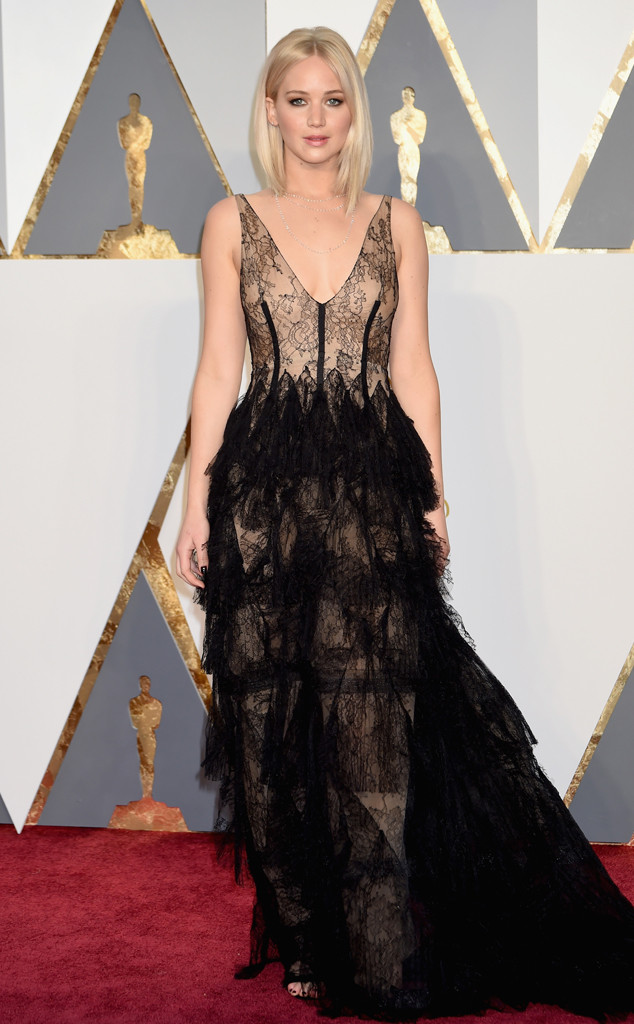 rs_634x1024-160228174238-634-2016-oscars-academy-awards-jennifer-lawrence Top Best 5 Red Carpet Looks in The 88th Academy Award
