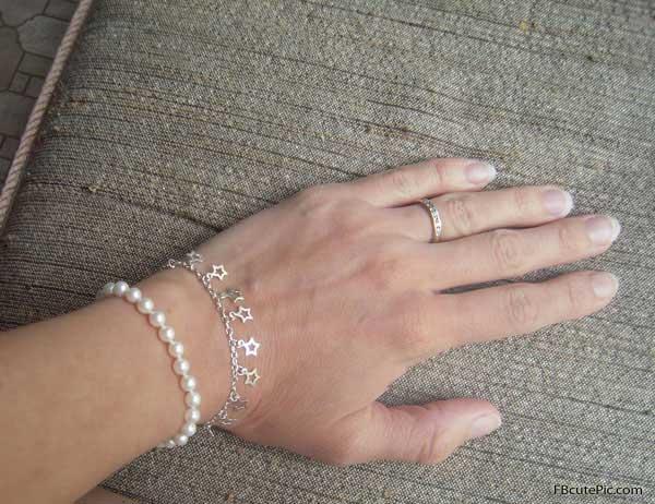 wonderful-pearl-bracelets-for-women-1-833ed 2017 Trendy Designs Of Bracelets For Women And Girls