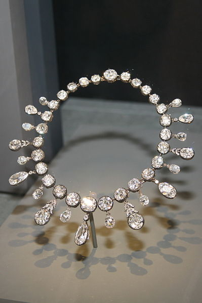 399px-Napoleon_Diamond_Necklace Learn The Jewelry Language ... [ 7 Easy Steps ]