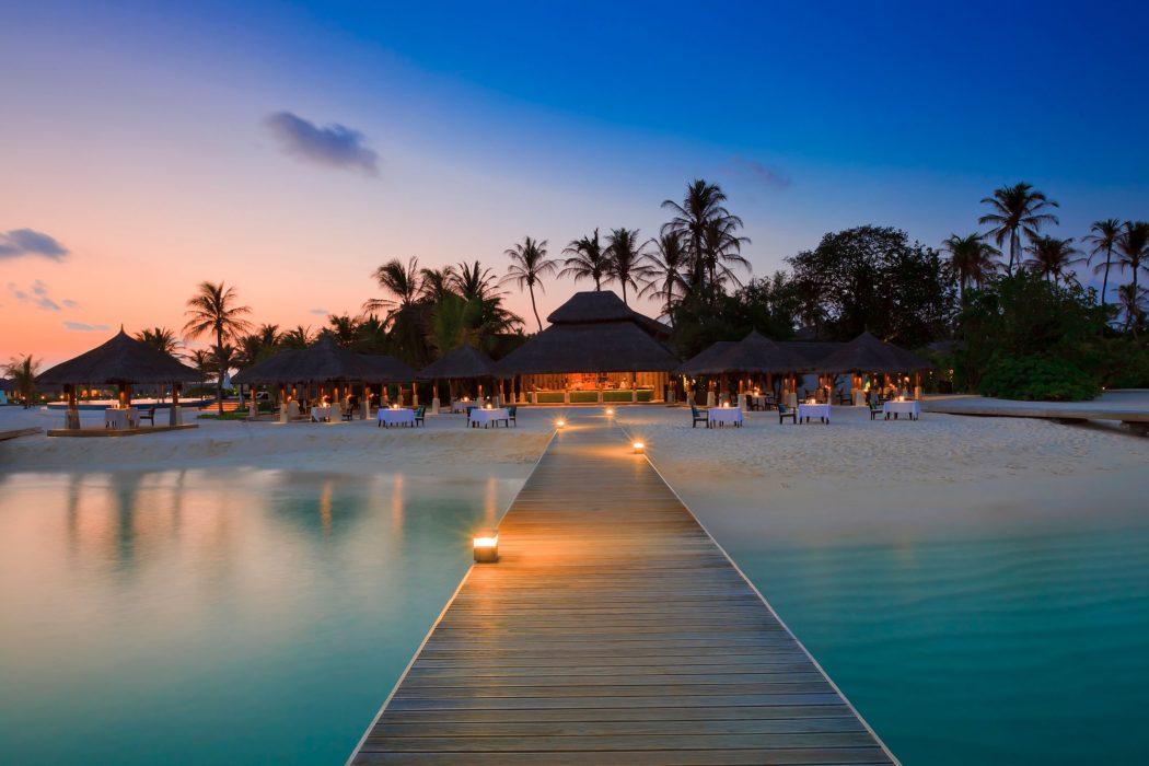 Extraordinary-Velassaru-Island-in-the-Maldives-54 5 Most Beautiful Beaches in The World
