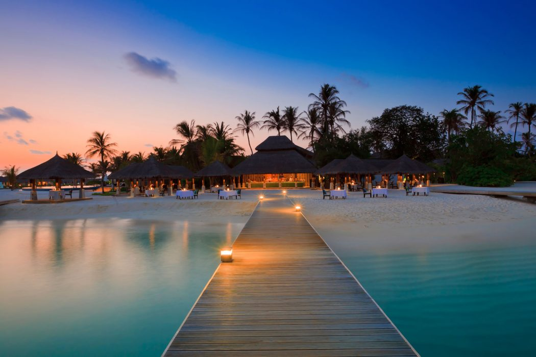 Extraordinary-Velassaru-Island-in-the-Maldives-54 5 Most Beautiful Beaches in The World