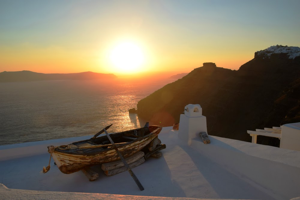 Fira-3 4 Best Places To Watch Sunset Around The World