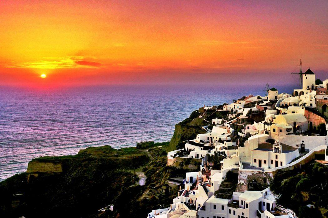 Santorini-Sunset-Greece 4 Best Places To Watch Sunset Around The World