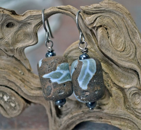 Stone-vintage-ceramic-earrings-003-475x440 Learn The Jewelry Language ... [ 7 Easy Steps ]
