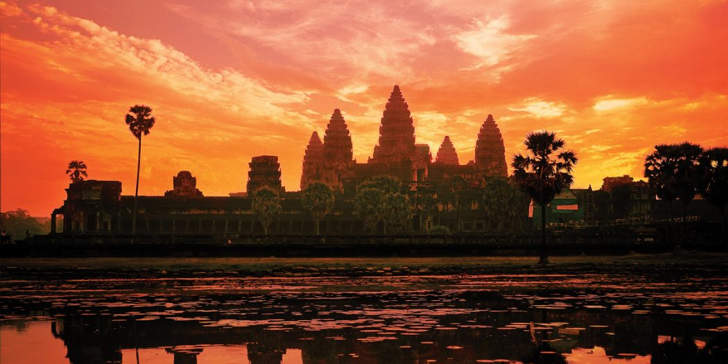 adventures-by-disney-asia-afica-and-australia-cambodia-vietnam-laos-day-11-top-angkor-wat-sunset 4 Best Places To Watch Sunset Around The World