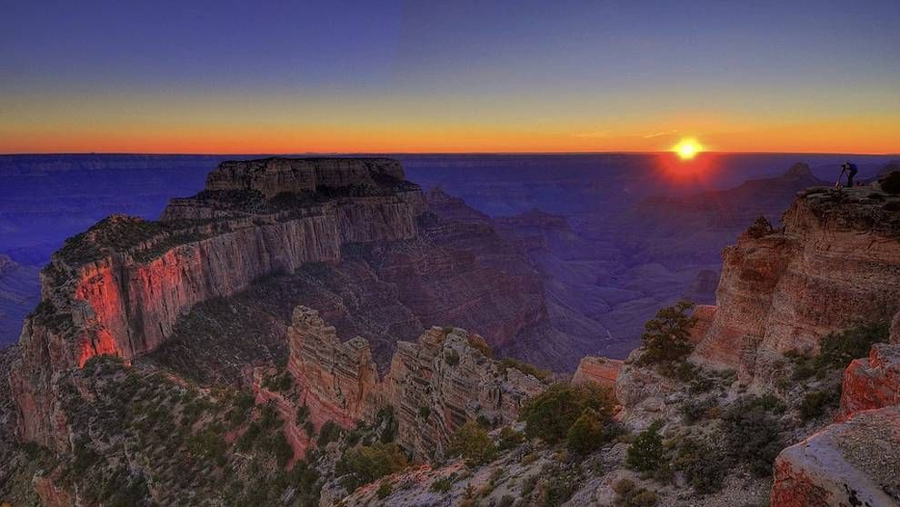 canyon-sunrise.jpg.990x0_q80_crop-smart 4 Best Places To Watch Sunset Around The World
