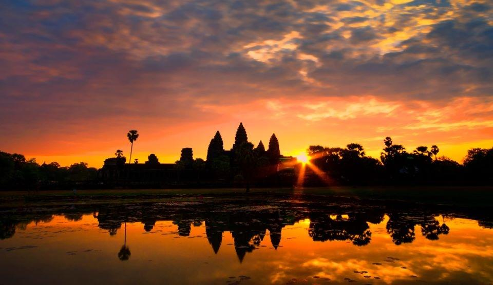 sunset-at-Angkor-wat 4 Best Places To Watch Sunset Around The World