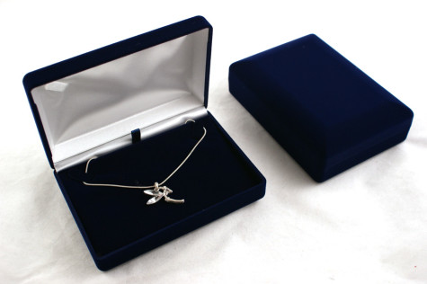 velvet-necklace-sets-box-from-1.49-each-vv06-306-p-475x316 How To Preserve Silver Objects ( The Best Ways To Keep Your Silver In A Good Shape )