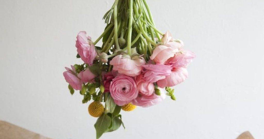 Hairspray-Preservation-1 7 Tricks to Make Flowers Last forever ...