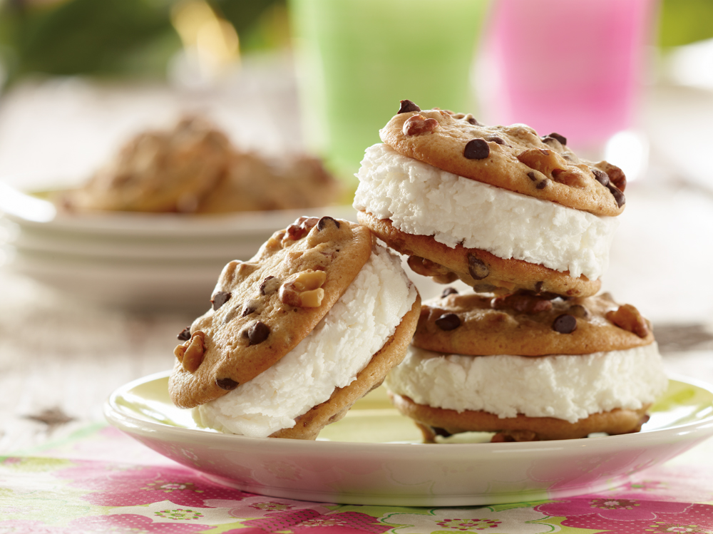 Honey-Walnut-Ice-Cream-Sandwiches 2 Creative Dessert Recipes That Will Impress Your Husband