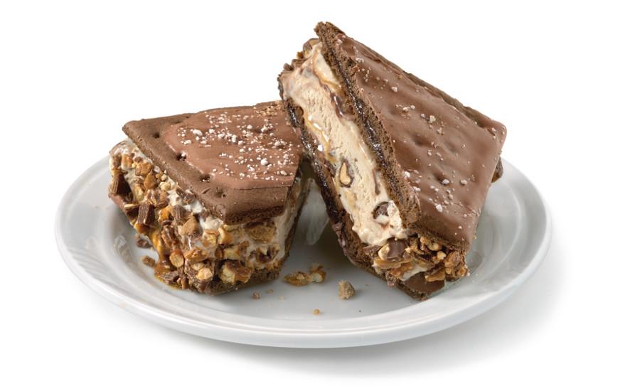 PopTart-ice-cream-sandich-Candy-Bar-900 2 Creative Dessert Recipes That Will Impress Your Husband