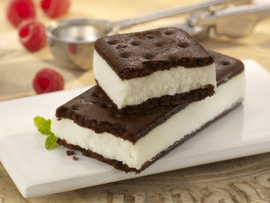 Real-Ice-Cream-Sandwich 2 Creative Dessert Recipes That Will Impress Your Husband