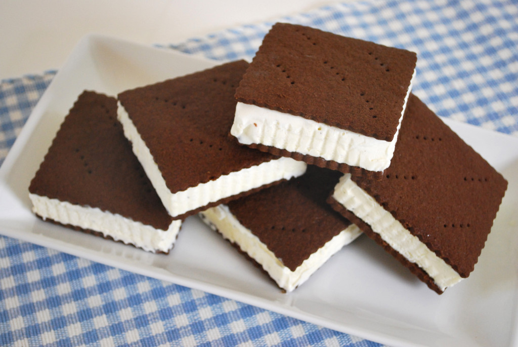 Traditional-Ice-Cream-Sandwich-1024x685 2 Creative Dessert Recipes That Will Impress Your Husband