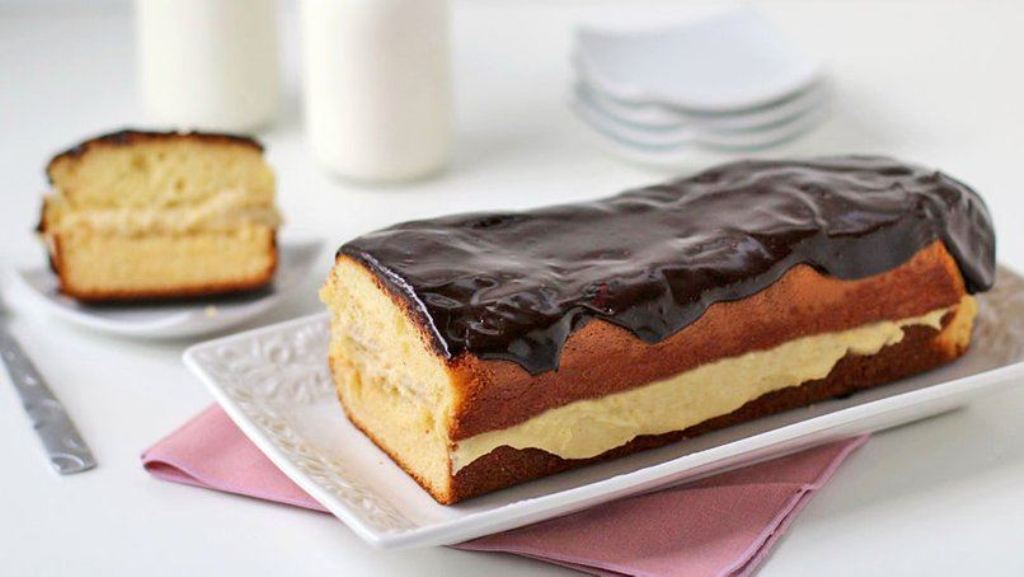 eclair-cake-and-Chocolate-Ganache-1 15 Most Unique Birthday Cake Recipes ... [With Images]