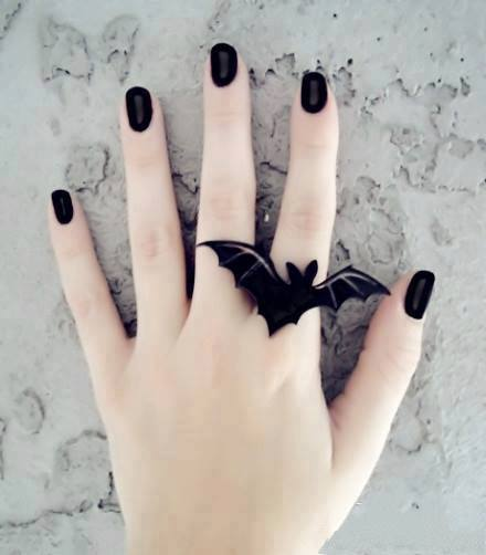 1186324_515366145207706_1728526088_n 35 Nails Designs; How Do You Paint Your Nails?