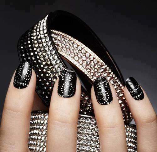 1378079_634707473216784_120574611_n 35 Nails Designs; How Do You Paint Your Nails?