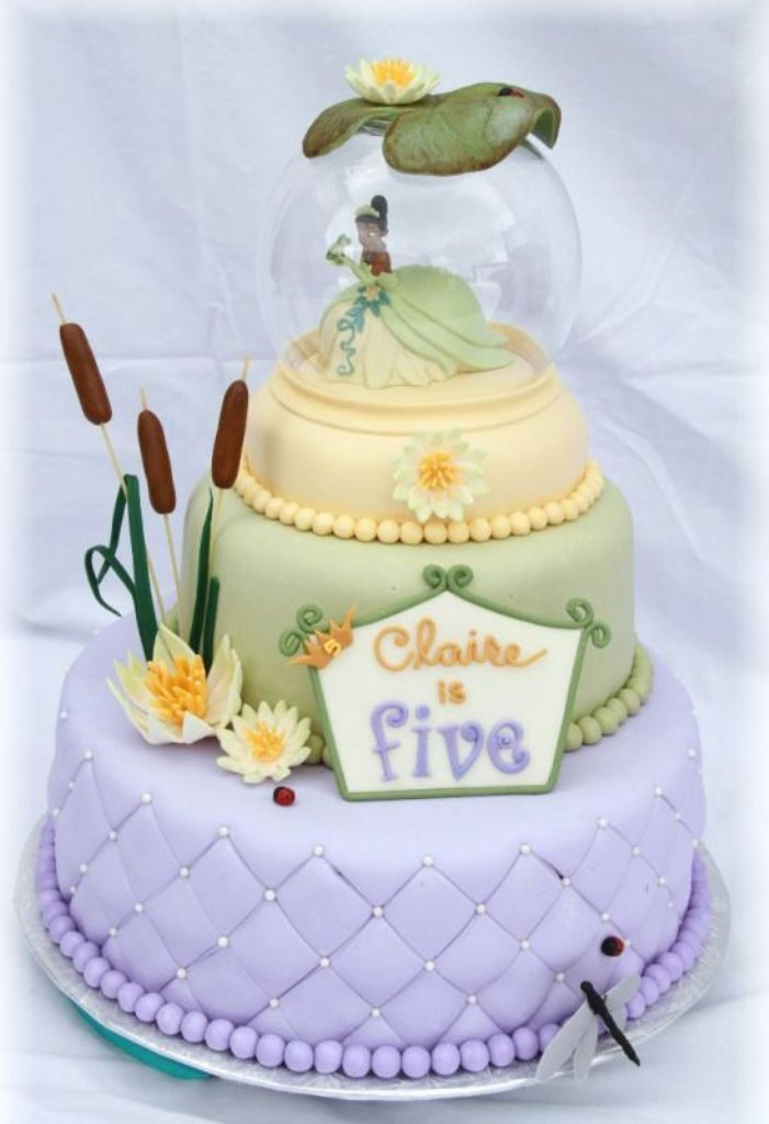 Fairytale-Ending-wedding-cake-toppers-2 50+ Funniest Wedding Cake Toppers That'll Make You Smile [Pictures] ...