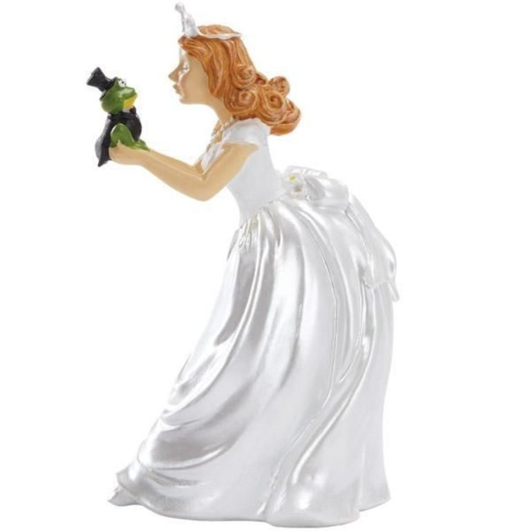 Fairytale-Ending-wedding-cake-toppers-3 50+ Funniest Wedding Cake Toppers That'll Make You Smile [Pictures] ...