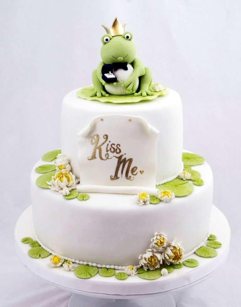 Fairytale-Ending-wedding-cake-toppers-4 50+ Funniest Wedding Cake Toppers That'll Make You Smile [Pictures] ...