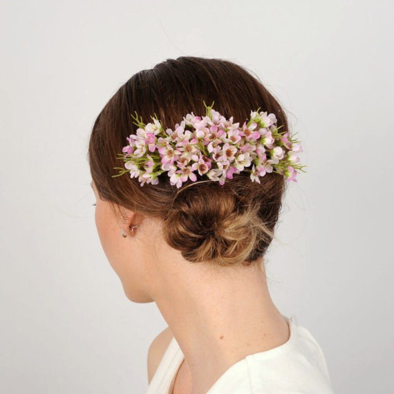 Flower-hair-comb-4 50+ Most Creative Ideas to Put Flowers in Your Hair ...