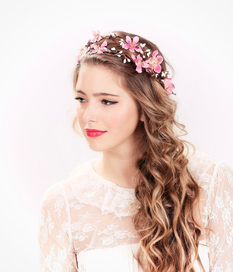 Flower-headband-1 50+ Most Creative Ideas to Put Flowers in Your Hair ...