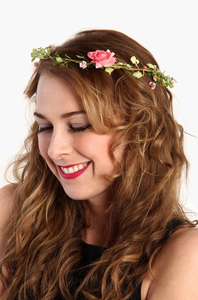 Flower-headband-2 50+ Most Creative Ideas to Put Flowers in Your Hair ...