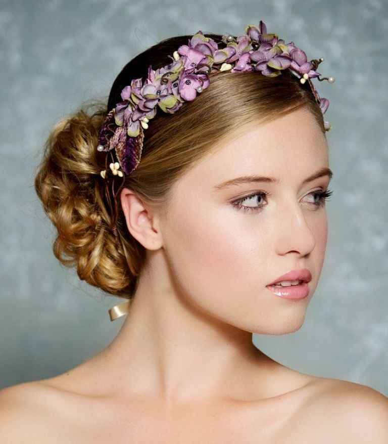 Flower-headband-5 50+ Most Creative Ideas to Put Flowers in Your Hair ...