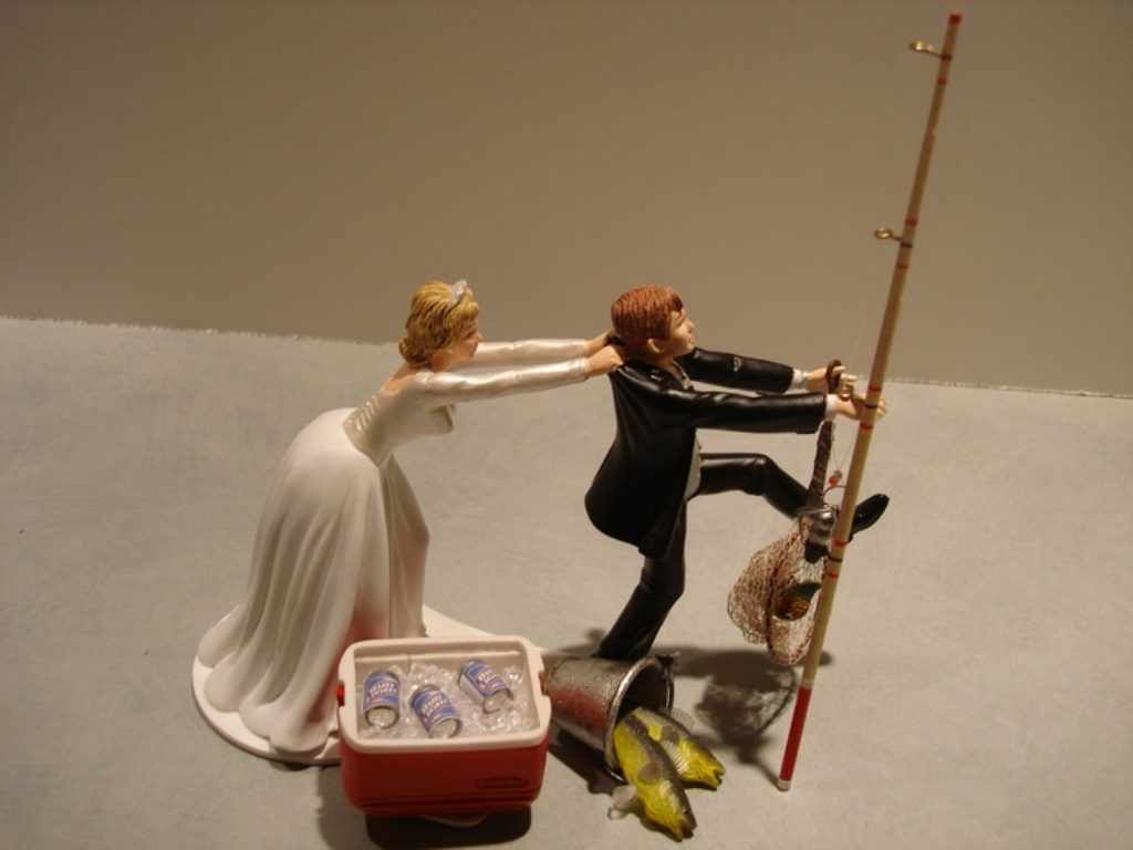 Gone-Fishing-wedding-cake-toppers-1 50+ Funniest Wedding Cake Toppers That'll Make You Smile [Pictures] ...