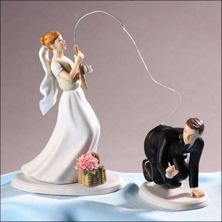 Gone-Fishing-wedding-cake-toppers-2 50+ Funniest Wedding Cake Toppers That'll Make You Smile [Pictures] ...
