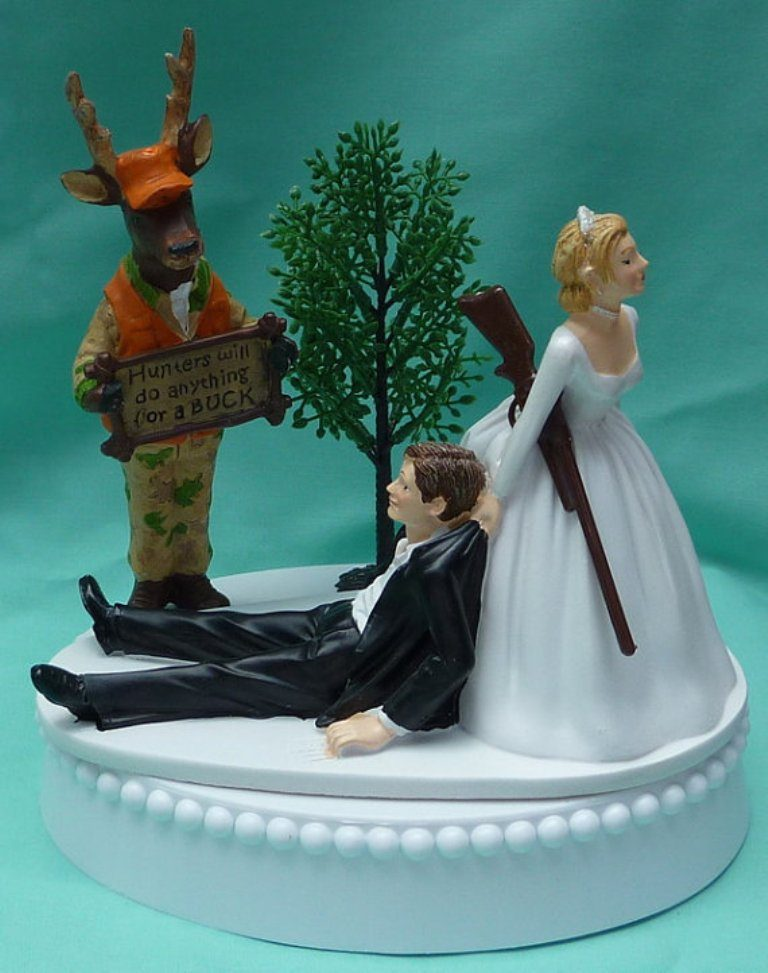 Gone-Fishing-wedding-cake-toppers-4 50+ Funniest Wedding Cake Toppers That'll Make You Smile [Pictures] ...