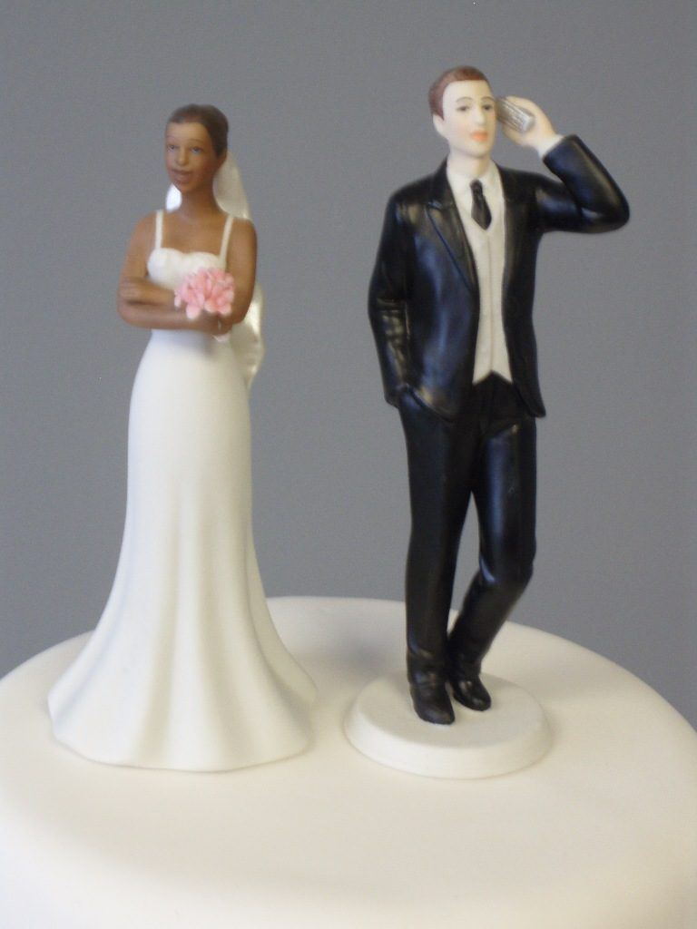 Hashtag-Wedding-cake-toppers-4 50+ Funniest Wedding Cake Toppers That'll Make You Smile [Pictures] ...