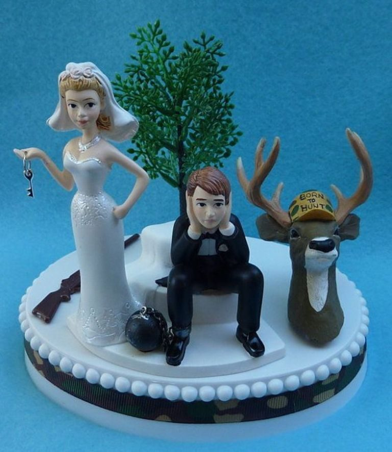 Under-Ball-and-Chain-wedding-cake-topper-1 50+ Funniest Wedding Cake Toppers That'll Make You Smile [Pictures] ...
