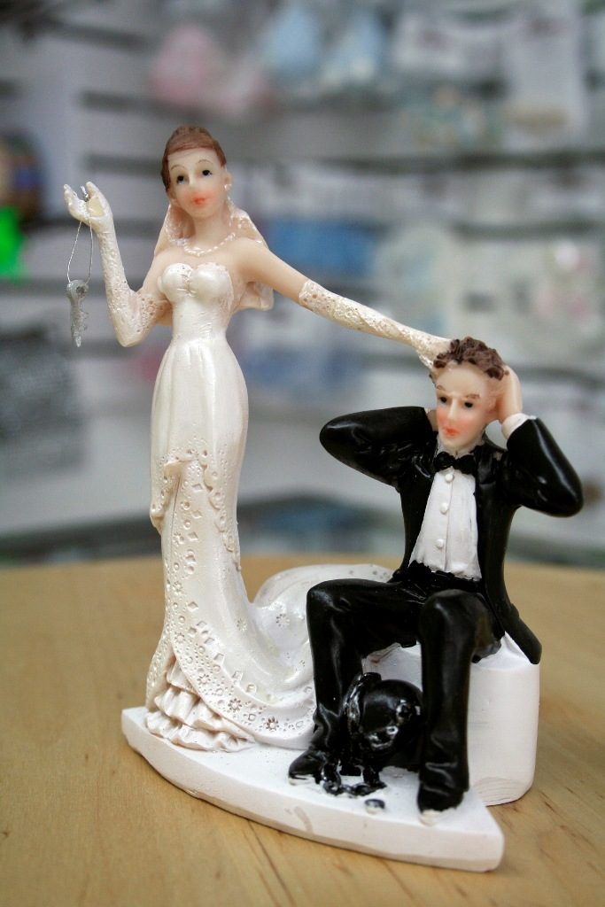 Under-Ball-and-Chain-wedding-cake-topper 50+ Funniest Wedding Cake Toppers That'll Make You Smile [Pictures] ...