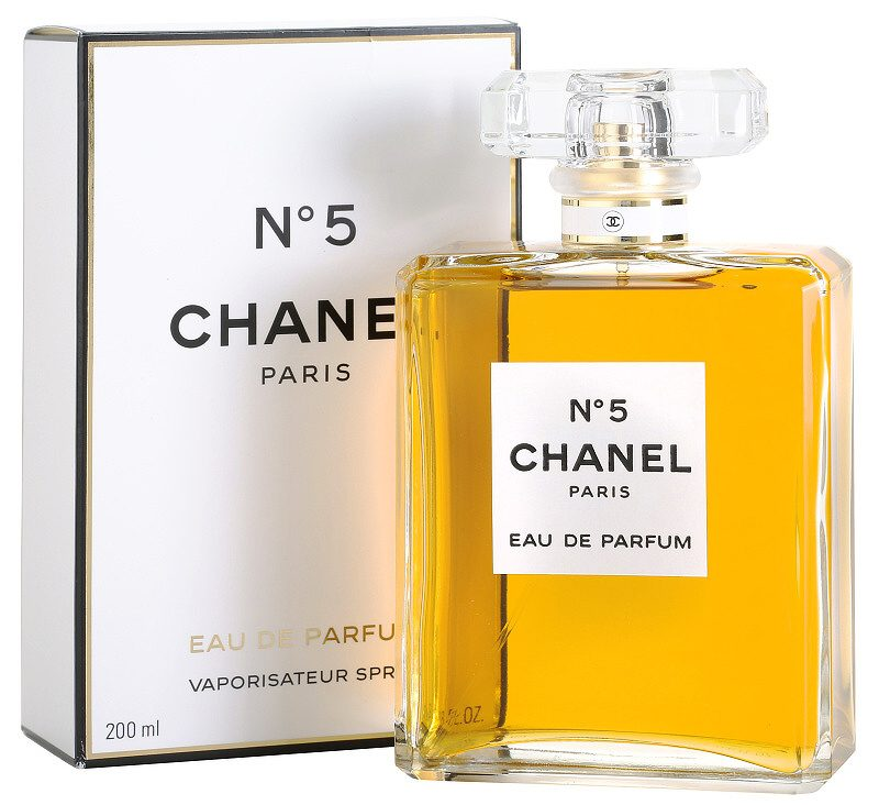 chano5w_aedp08-2 5 Surprising Facts About Chanel