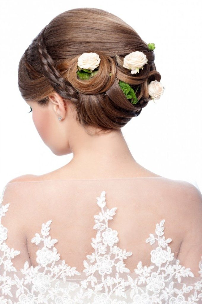 flowers-Wrapped-around-the-bun-4 50+ Most Creative Ideas to Put Flowers in Your Hair ...