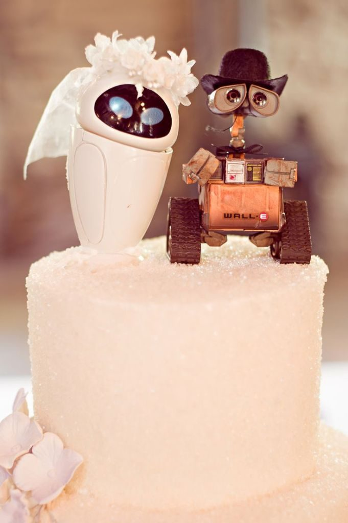 funny-wedding-cake-toppers-1 50+ Funniest Wedding Cake Toppers That'll Make You Smile [Pictures] ...