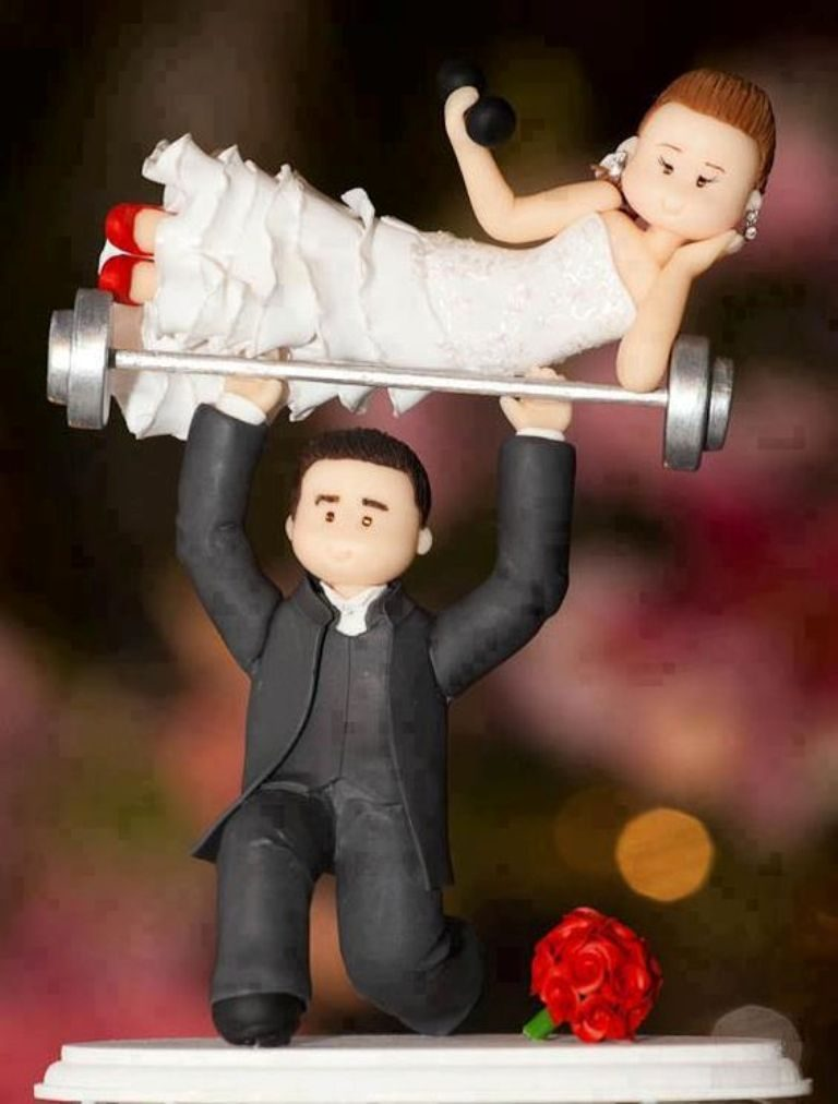 funny-wedding-cake-toppers-10 50+ Funniest Wedding Cake Toppers That'll Make You Smile [Pictures] ...