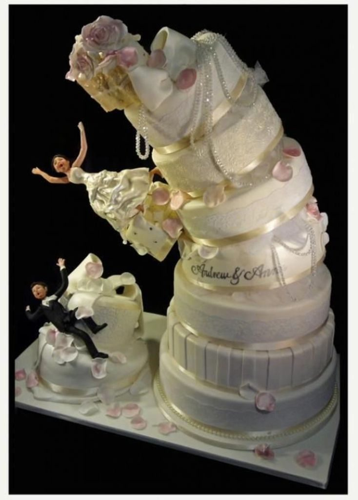 funny-wedding-cake-toppers 50+ Funniest Wedding Cake Toppers That'll Make You Smile [Pictures] ...