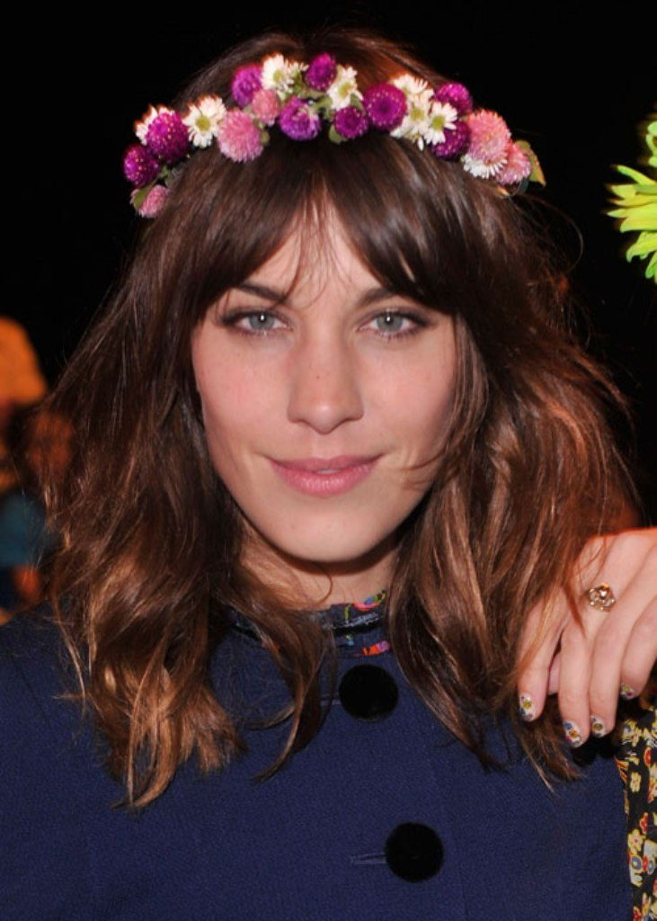 hair-flowers-12 50+ Most Creative Ideas to Put Flowers in Your Hair ...
