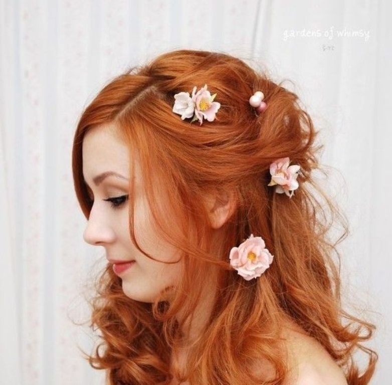 hair-flowers-20 50+ Most Creative Ideas to Put Flowers in Your Hair ...