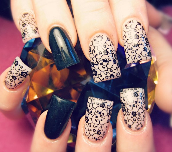 tumblr_mdg4xb8CUm1rkd5wto1_1280 35 Nails Designs; How Do You Paint Your Nails?